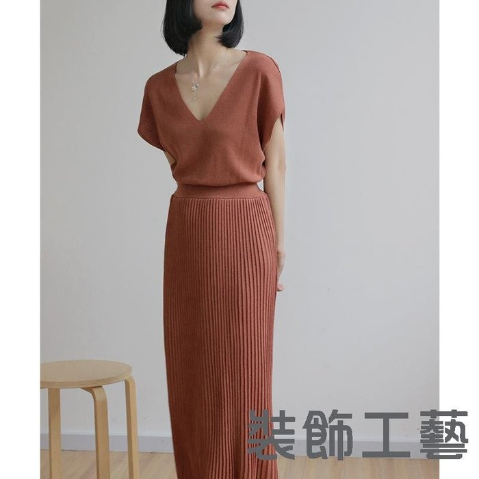 東大門夏季新款V領短袖針織連衣裙韓國復古收腰假兩件拼接百褶裙
