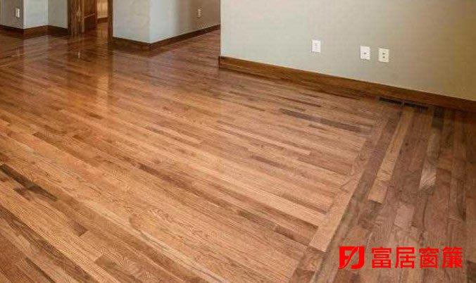 用我們的精心打造您的溫馨 ~超耐磨地板~ 免費到府幫您丈量安裝!塑膠/木紋款式眾多【富居窗簾】