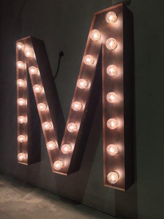 【曙muse】美式招牌燈 壁燈 裝飾燈 鐵製鐵鏽材質 任何字母可訂做 loft 工業風 咖啡廳 民宿 餐廳