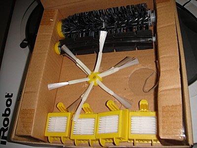 iRobot Roomba 700系列耗材更新組(毛刷、橡膠各一支HEPA濾網*4) + 六腳邊刷 4 支