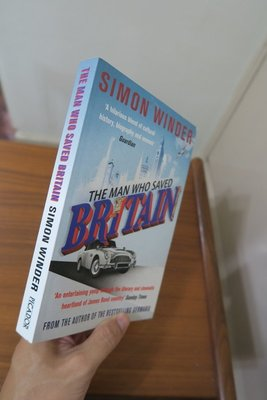 【英文舊書】[英國] The Man Who Saved Britain, Simon Winder
