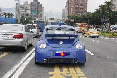 泰山美研社E071 VW BEETLE 金龜車 手工版中擾流尾翼--實裝車