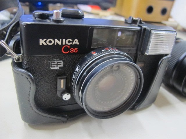二手舖 NO.4400 早期底片相機 KONICA C35 EF YASHICA ML ZOOM 42-75mm