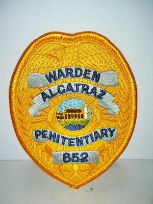 aaL.全新(warden alcatraz penitentiary)監獄長惡魔島監獄刺繡臂章/徽章/布章/臂圈!