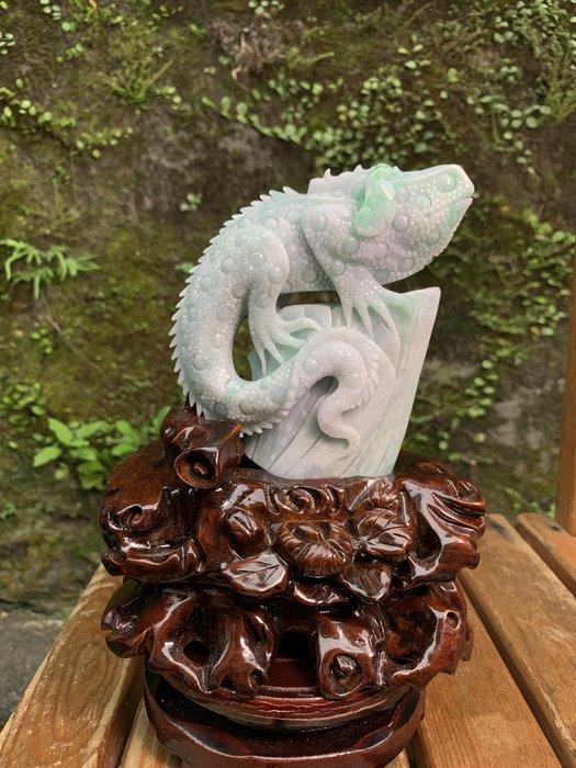 [滿藝精選] 頂級收藏品標❤️天然A貨翡翠蜥蜴雕件  豆綠種帶陽綠質地種水好 雕工精細霸氣