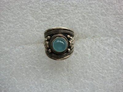 西藏老戒:藏銀.鑲淡綠寶石