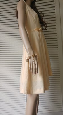 victoria beckham 淡粉橘腰際荷葉滾邊大V氣質小女人洋裝