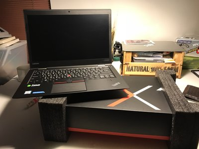 誠可議 LENOVO ThinkPad X1 Carbon 14吋筆電│i7-6500U、8G、256SSD,(已售)