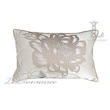 【芮洛蔓 La Romance】古典風情系列米色牡丹燙鑽立體緹花腰枕 / 靠枕 / 靠墊 / 方枕