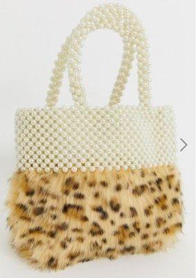 英國Skinny Dip流行時尚設計品牌 仿珍珠+毛毛豹紋皮草拼接混搭手拿/提托特小包 Leopard Tote Bag