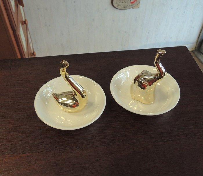 陶瓷首飾碟 金色天鵝、金色大象戒指架 耳環收納盤 首飾架  珠寶盒 珠寶盤架 首飾收納盒 天鵝擺飾、大象擺飾 兩款可選