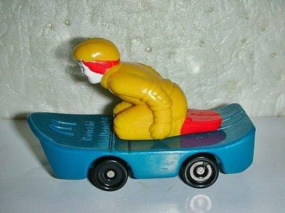 aaL皮商.(企業寶寶公仔娃娃)少見2000年麥當勞發行摩天衝鋒隊-麥當勞叔叔衝天滑板距今已有17年歷史!/黑箱