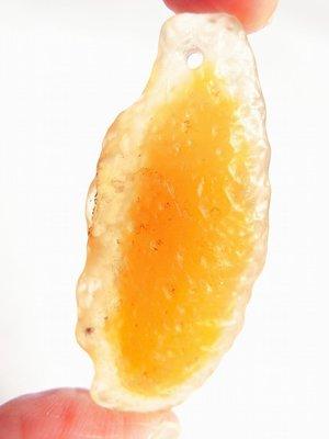 稀有獨一無二 天然冰透戈壁黃糖心瑪瑙墜子- 已打孔