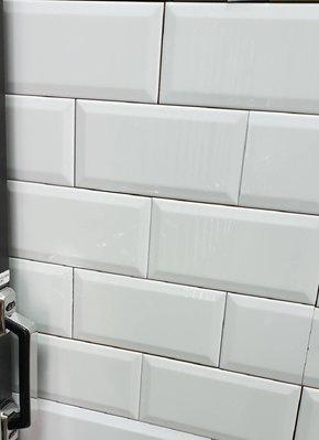 【AT磁磚店鋪】10X20cm  西班牙進口 立體 鐵道磚 巧克力磚 白色 浴室 廚房餐廳主題牆 新竹現貨特價中