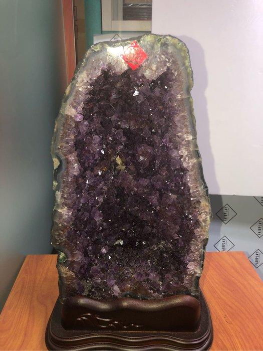 紫水晶洞 鈦晶