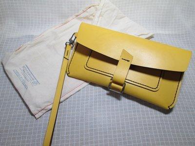 GR-GreenRoom 文青最愛 Handmade Fly Carry Plus 手工皮革艷黃色隨行包