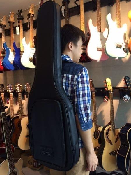 【六絃樂器】全新合成皮硬式電吉他袋 軟盒 可雙肩揹 保護性佳 / 現貨特價
