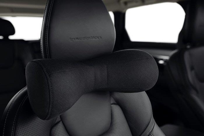 Volvo 富豪 原廠 選配 純正 部品 全車系 高質感 新款 黑色 頸枕 頭枕 抱枕 透氣 80% 羊毛成分 S90