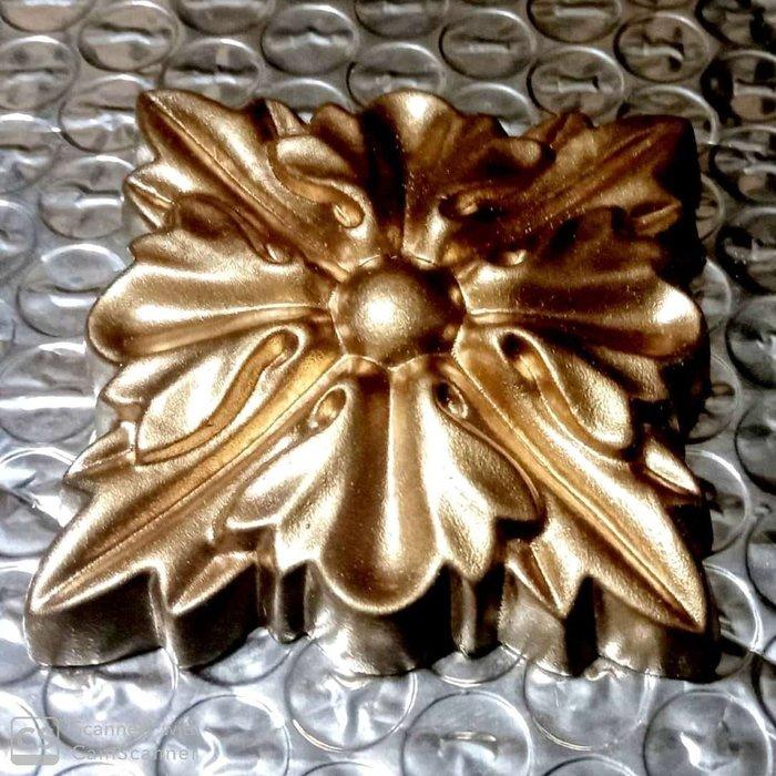 櫥櫃飾花 裝飾花飾 PU系列-浮雕壁飾 家飾 廚櫃飾花/ 彩繪用 亦可當平線板彎角金色【未含運送費】@$320