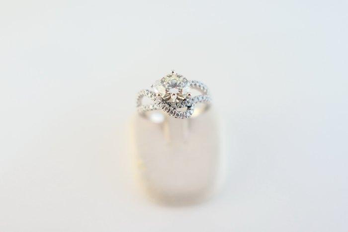 [吉宏精品交流中心]1.08克拉 南非天然鑽石 白K金 八心八箭 造型 戒指
