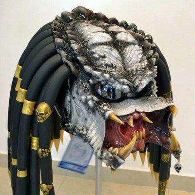 """純手工定制""""終極戰士""""碳纖維安全帽"""