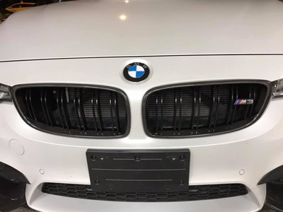【耀天國際】BMW F80 F82 F83 M3 M4 A款 熱壓 碳纖維 卡夢 水箱罩