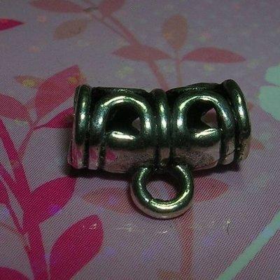 琥珀貓~【925純銀材料配件】彎管帶圈~N8916款~民俗風~約11*6mm~孔4mm~一個