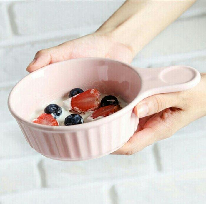 粉色藍色白色手柄烘培碗單柄布丁點心碗蛋糕碗西餐碗焗烤盤單耳沙拉碗【 蘇菲亞精品傢飾】