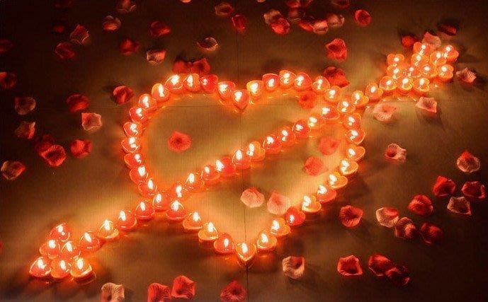 現貨創藝表白心形臘燭玫瑰花瓣無煙蠟燭表白道具告白道具情人節表白求婚燭光晚餐情人節禮物 氣氛告白 婚禮佈置 生日佈置