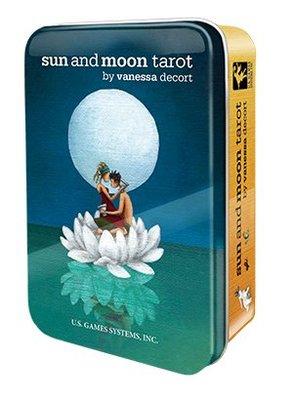 【牌的世界】新發行--日月塔羅牌鐵盒版Sun and Moon in a tin TAROT(78張全新)