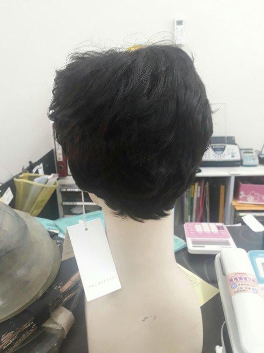 俐落俏短髮造型