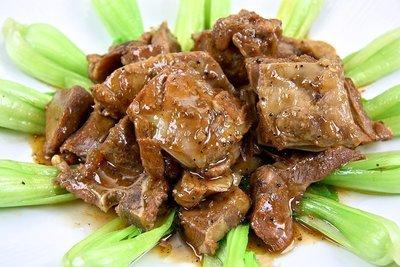 【年菜系列】黑胡椒和風羊子排/約550g/包 肉質鮮嫩沒有羊騷味 醬汁調理入味 一道美味青江菜佐和風羊子排輕鬆上桌
