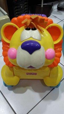 費雪 Fisher Price 兩用獅子燈光踏步車(學步車)