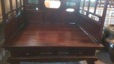 (河東堂)台灣古董家具精品,約日据時期清水體,檜木細雕古董床,誠可議價