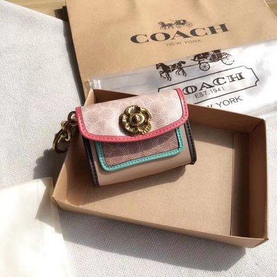 NaNa代購 COACH 89409 山茶花鑰匙包 零錢包 撞色拼接 可裝下3隻口紅 防水防刮   禮品盒包裝 附購證
