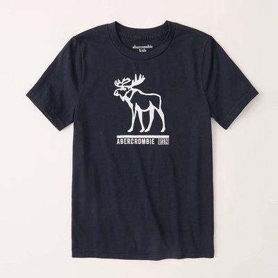 【abercrombie kids】【a&f】af男童款短袖T恤繡白空大鹿小字黑藍 F07200723-01