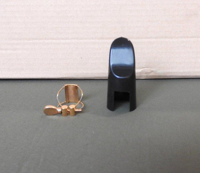 高音鋼線束圈:一般黑色膠嘴使用,附反向專用護蓋,音色比較乾淨和宏亮
