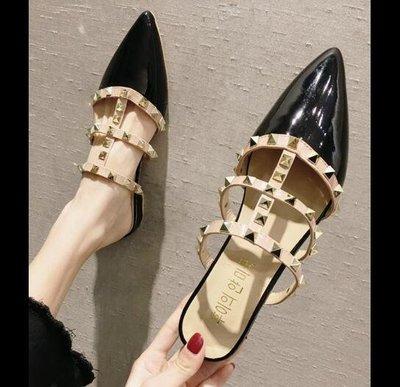 拖鞋 鉚釘漆皮尖頭粗跟包頭穆勒鞋 涼拖鞋 涼鞋—莎芭