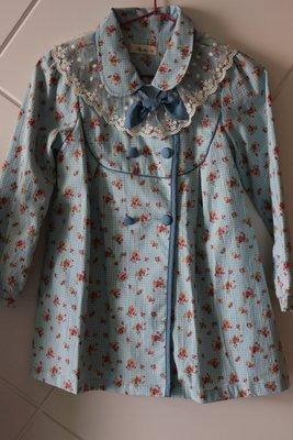 ❤購出清~正韓女童裝蕾絲花邊蝴蝶結長版外套 (尺寸13)