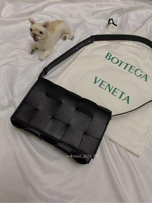 [4real]Bottega Veneta Cassette Bag