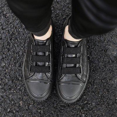 【小飛俠鞋盟】日系原宿日常百搭鞋子男士韓版潮流學生小黑鞋壹腳蹬壓花皮板鞋潮