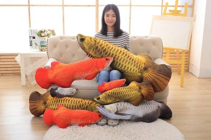 暖暖本舖 仿真鯉魚抱枕 錦鯉 毛絨玩具 兒童玩偶 布娃娃 金魚公仔 鬥魚娃娃 吳郭魚 紅龍 卡筆獸 皮卡丘 爆牙娃娃