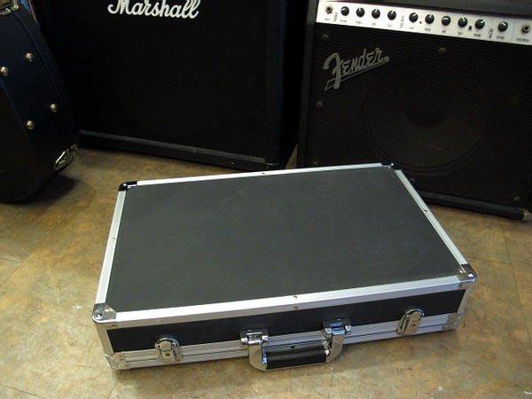 ☆唐尼樂器︵☆加厚塑料(非市售薄款)高級電吉他/ Bass效果器盒 Case (小型內部尺寸 50*26*9公分)