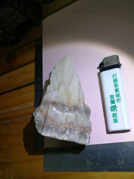 重山疊層山崖白晶柱 銘馨易拍重生網 109SG060 早期 白水晶原礦柱、白水晶、白水晶柱 擺飾 保存如圖 讓藏