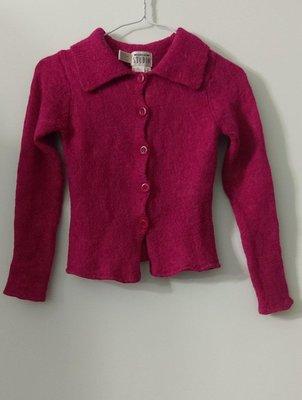 (搬家大出清)品牌 EPISODE 集團 STUDIO 小紅莓色羊毛針織長袖前襟開釦式女衫/小外套,無內裡,有彈性。尺寸 S碼 msgracy Roots