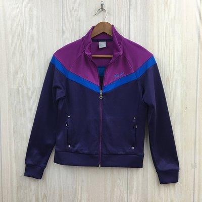 【愛莎&嵐】 TOP GIRL  紫色系列素面設計運動休閒薄款外套 / M  1090227