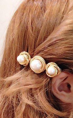 髮飾  韓國氣質甜美女神款立體 扭轉 珍珠 髮夾 彈簧夾K7136 單個價 價 Danica 韓系飾品 韓國連線