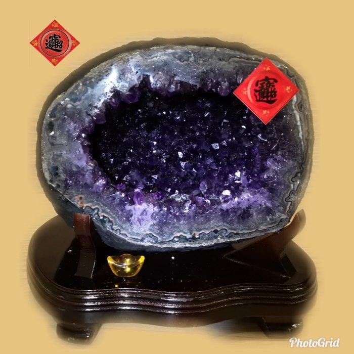 🏆【1688 精品】🏆烏拉頂級紫晶洞重6.3kg 寬19cm高20cm 洞深7cm.高紫度洞型圓【C63】