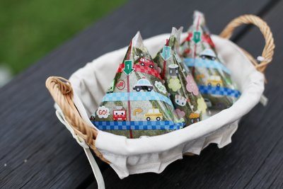 發現花園生活館~日本製 三角 飯糰袋 飯糰紙~櫻花款 / 汽車款