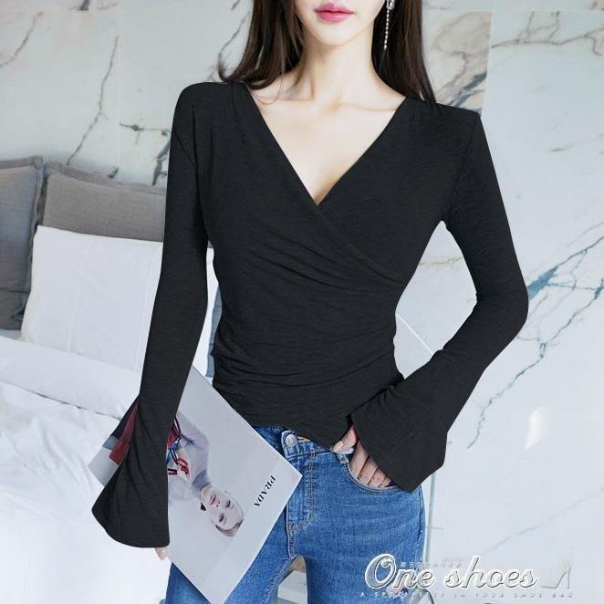 喇叭袖長袖t恤女深V交叉v領打底衫修身顯瘦性感上衣--欣雅居